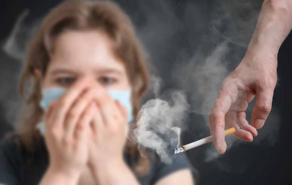prejudicada por fumante